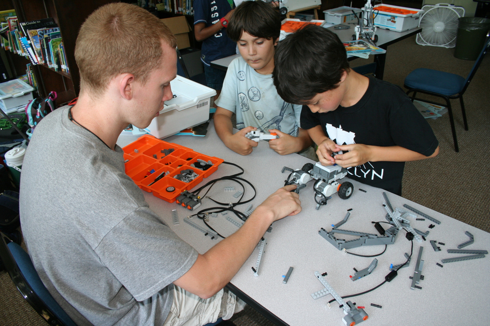 summerRobotics2013photo2.jpg