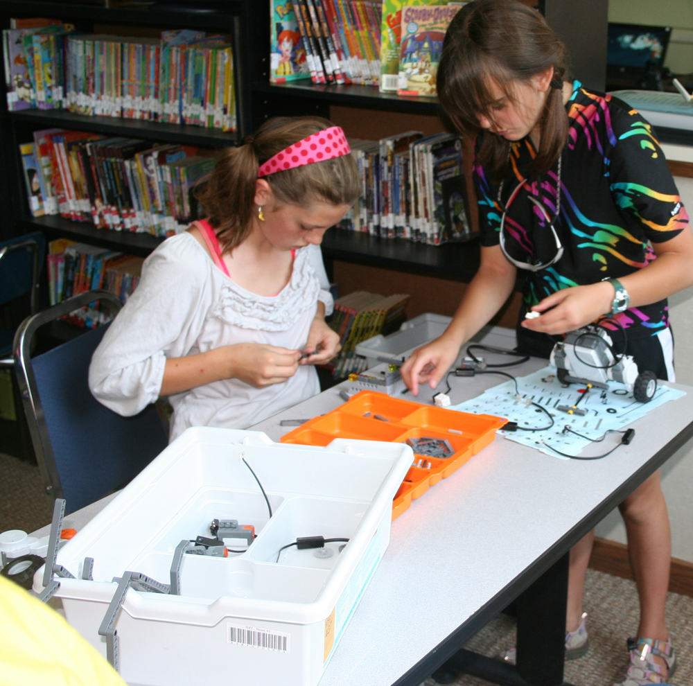 summerRobotics2013photo3.jpg