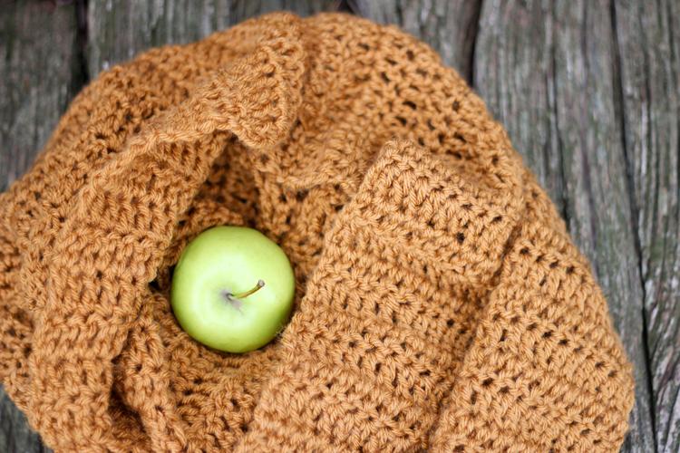 double-crochet-infinity-scarf-43-of-49.jpg