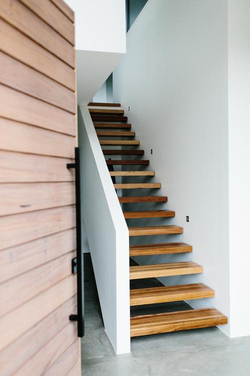 escalera, diseño, nórdico, moderno, minimalista, blanco, negro, madera, dekoloop