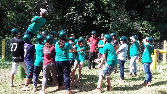 Salvadoran youth participating in teamwork activities as part of our Seeds of Peace project.
