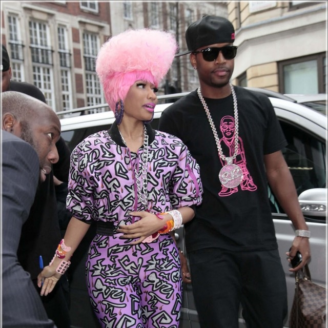 nicki-minaj-is-pink-in-london-7-spl.jpg