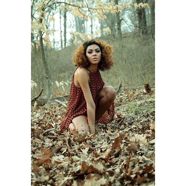 📸 by @sammytarantino  Model | @jasmineonya  MUA | Hair @shayladiaz_  #beautiful #PHOTOGRAPHY #model #mua #hair #nice #dope #canon #photographer #spring #photoshoots #booknow #philly #la #atl #fashion #beauty #lightroom #squatandslay #squatposesquad