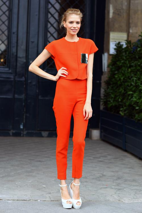 street-style-crush-elena-perminova-orange-suit-peeper.jpg