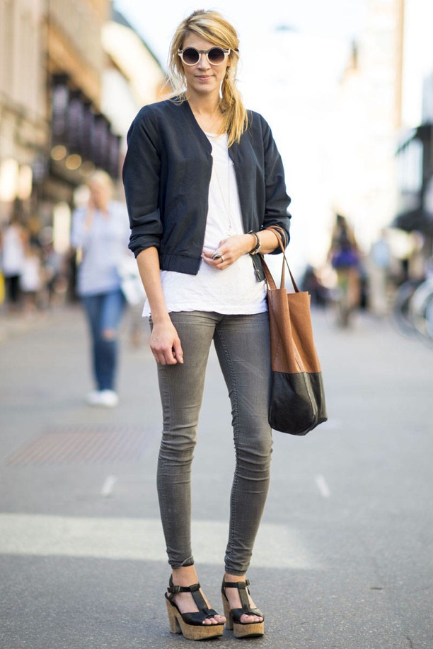 STREET-STYLE-STOCKHOLM-SWEDEN-COLOR-BLOCK-TOTE-ROUND-SUNGLASSES-BOMBER-JACKET-T-SHIRT-SKINNY-GREY-GRAY-JEANS-PLATFORM-SANDALS-E.jpeg