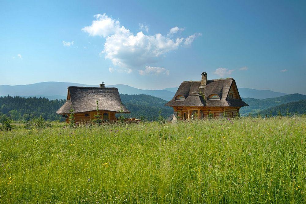 adelaparvu.com-despre-case-rustice-din-busteni-de-lemn-case-cu-acoperis-din-stuf-case-Polonia-Osada-Beskidzka-9.jpg