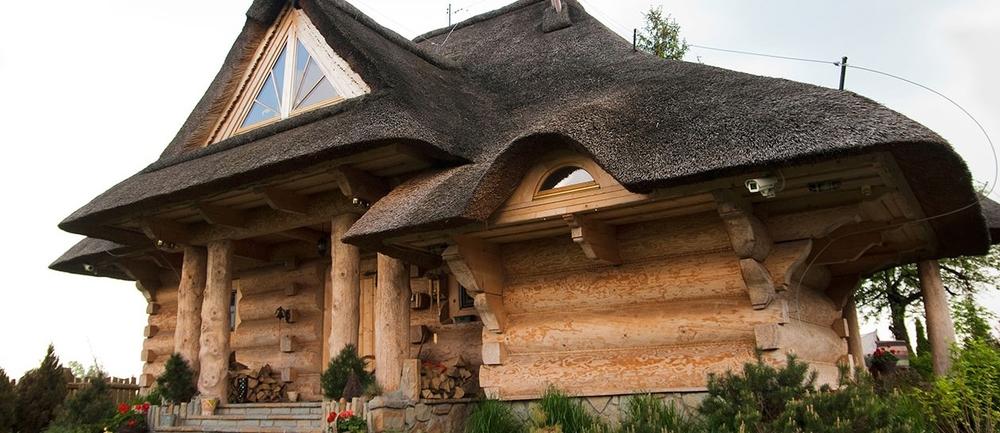 1-skorusa-dom-z-bali-1260x545.jpg