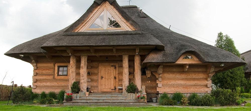 5-skorusa-dom-z-bali-1260x545.jpg
