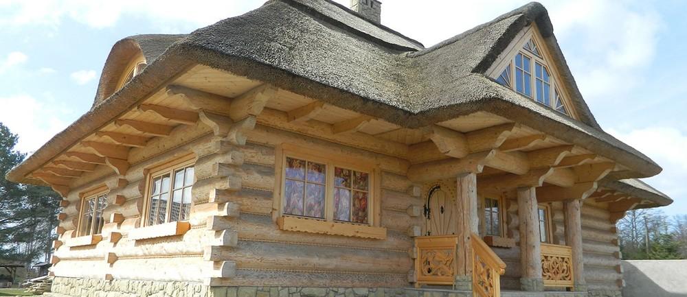 1-klabuk-dom-z-bali-1260x545.jpg