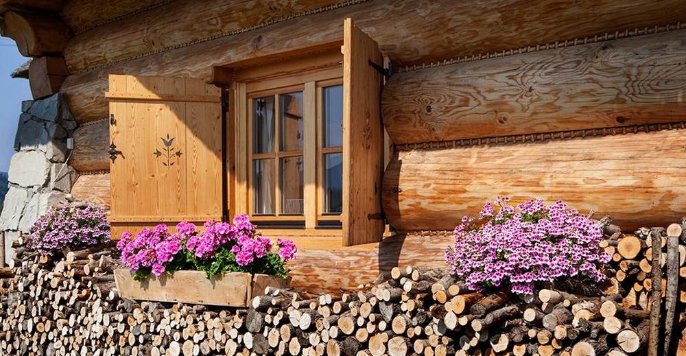 The Little Log House Company