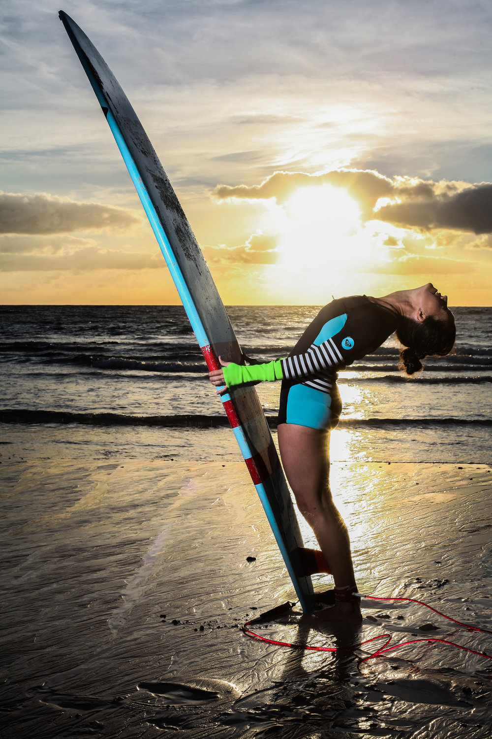 Yoga and Surf Retreats - Surfing and yoga is a great combination!Want to deepen your yoga practice, and learn to surf, or improve your surfing, get better technique and be able to catch more waves? Come join me on the north shore of Fuerteventura for a retreat of zen, surf, fun and sun.