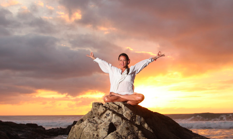 Yoga classes, workshops and retreats in Fuerteventura - Deepen your physical practice and your understanding and practice of yoga philosophy and meditation.I teach lessons, workshops and retreats for groups and privates.