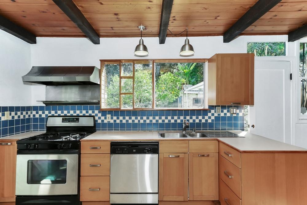Loleta-Kitchen.jpg