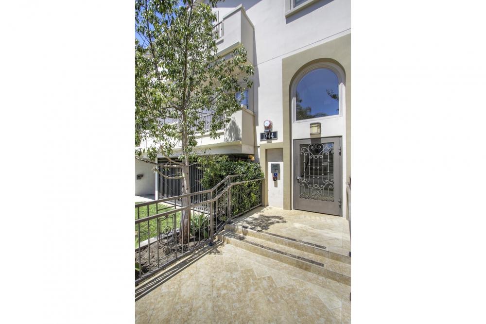 1744 Granville Ave #106 - West LA — Pacific Heights Realtor