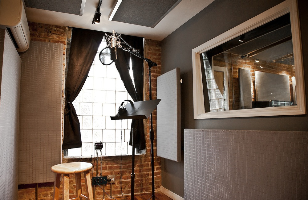 studio_b_vocalbooth_001.jpg