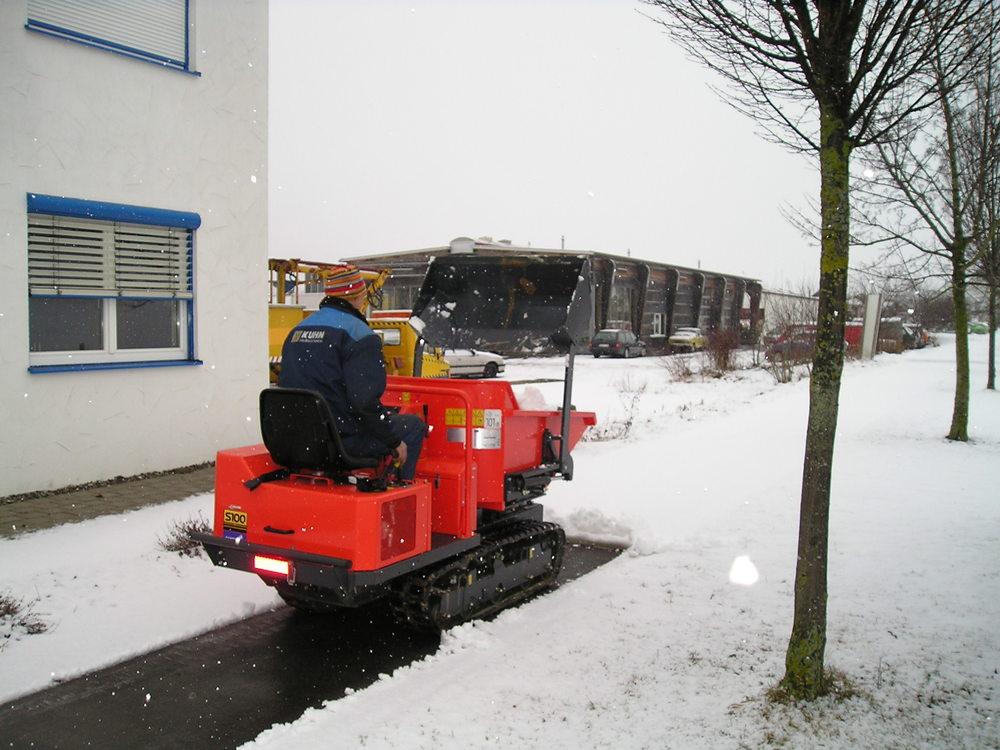 Winterdienst Canycom S 100 002.jpg
