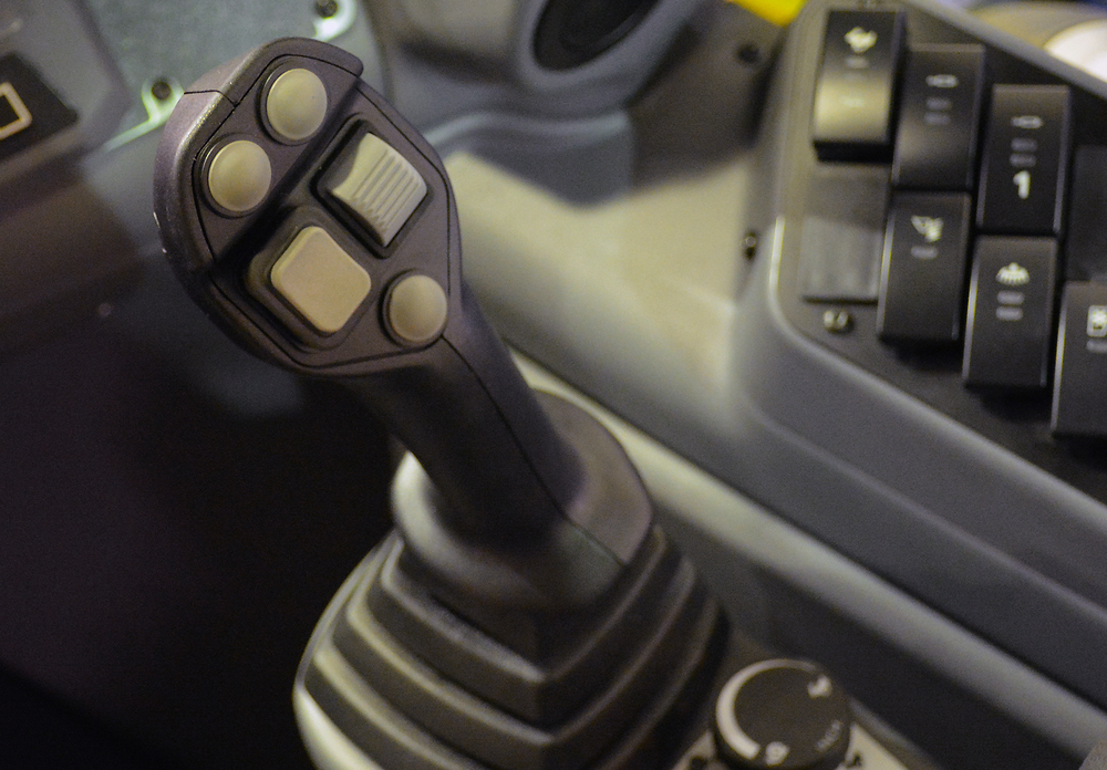 Wille 665-865 joystick_2015.jpg