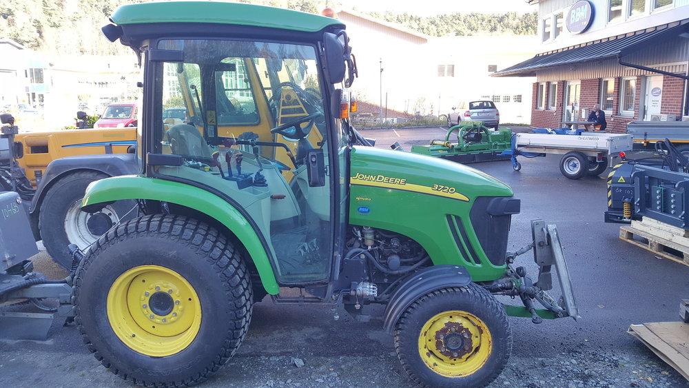 John Deere 3720 Traktor