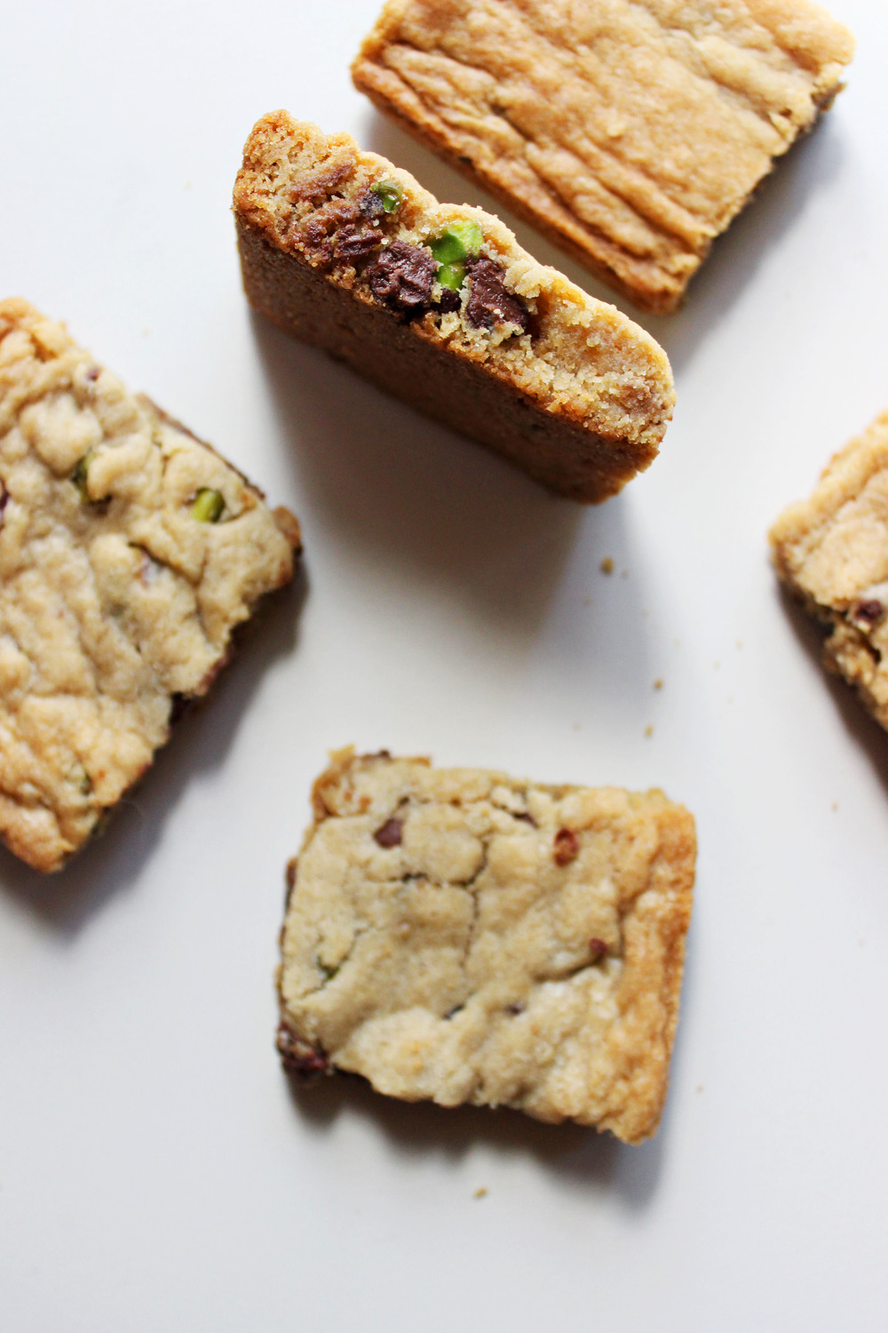 Salted Pistachio Chocolate Chip Cookie Bars — The Free Spirited