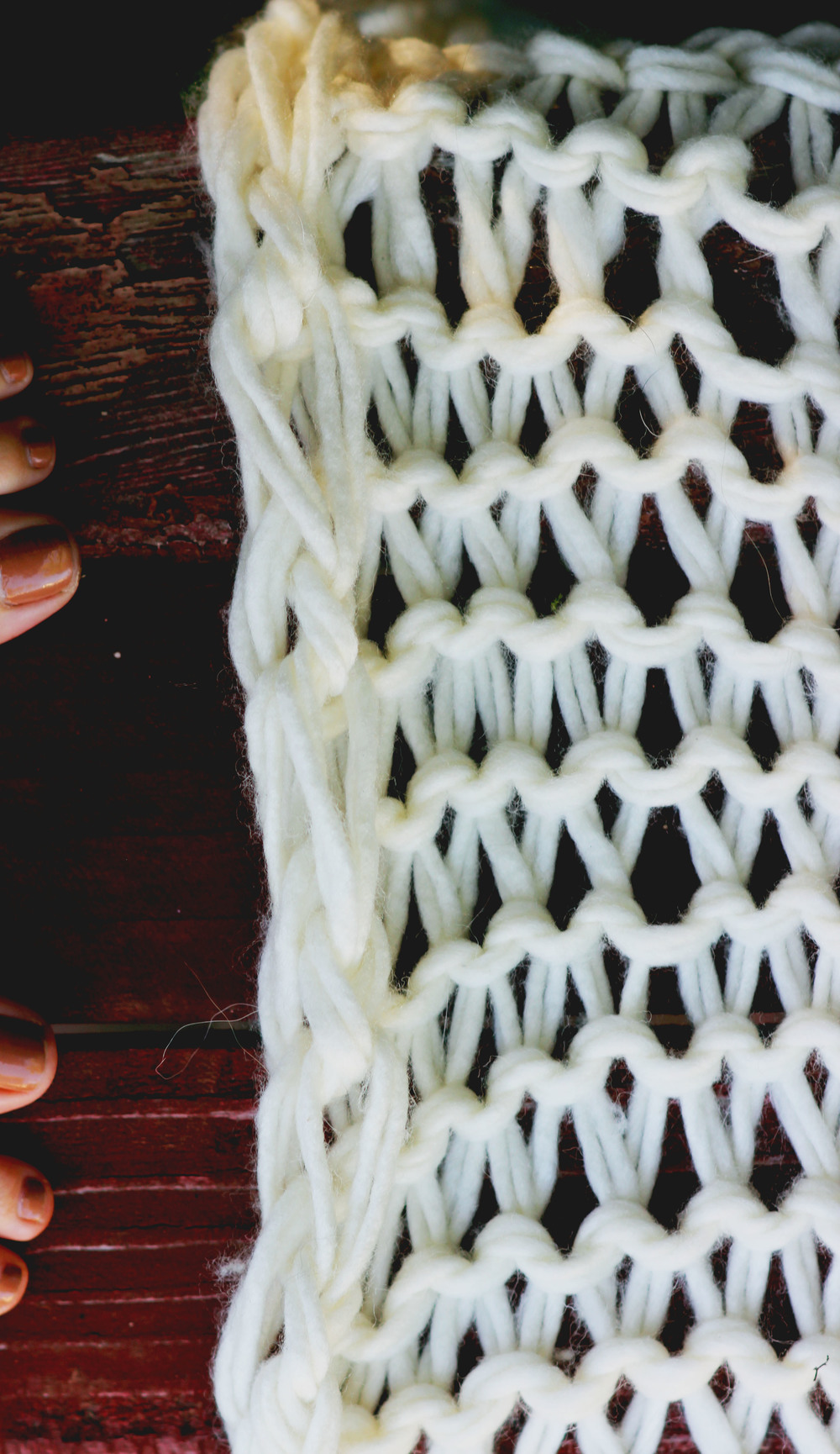 DIY Loose-Knit Blanket - Big Needle Knitting The Free Spirited