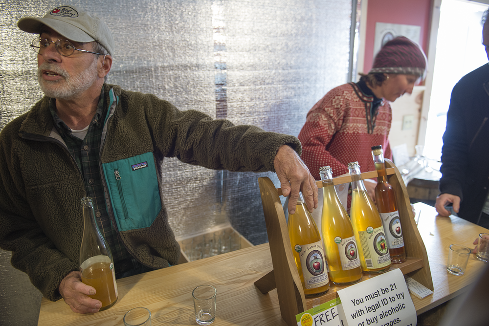 EL_Bear_Swamp_Cider_Days_2015_028.png