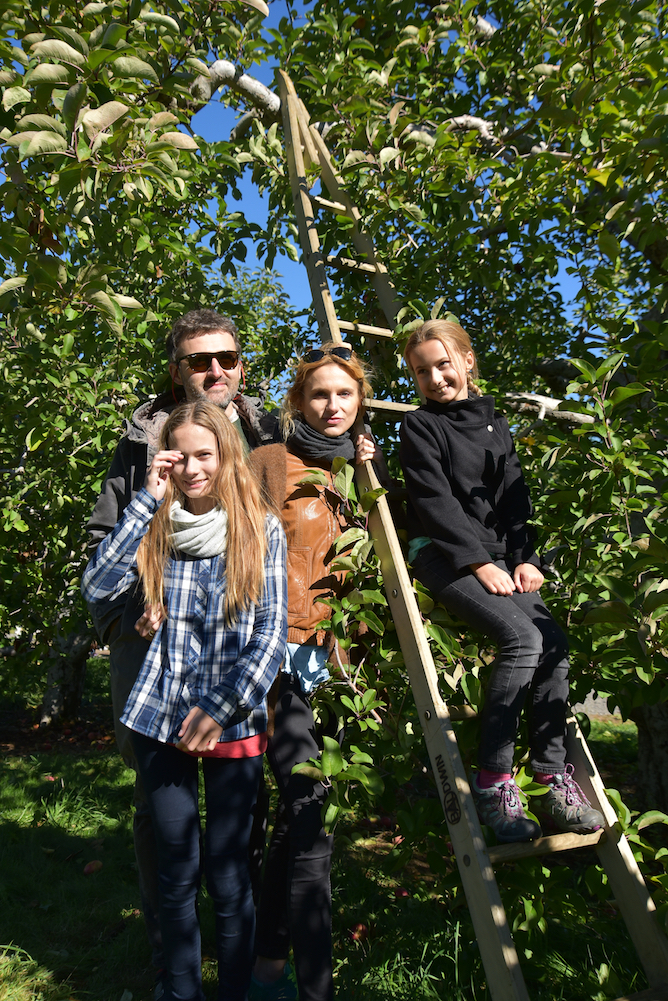 EL_Apple_Picking_2016_012.jpg