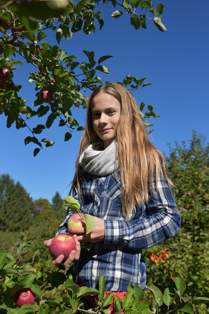 EL_Apple_Picking_2016_022.jpg