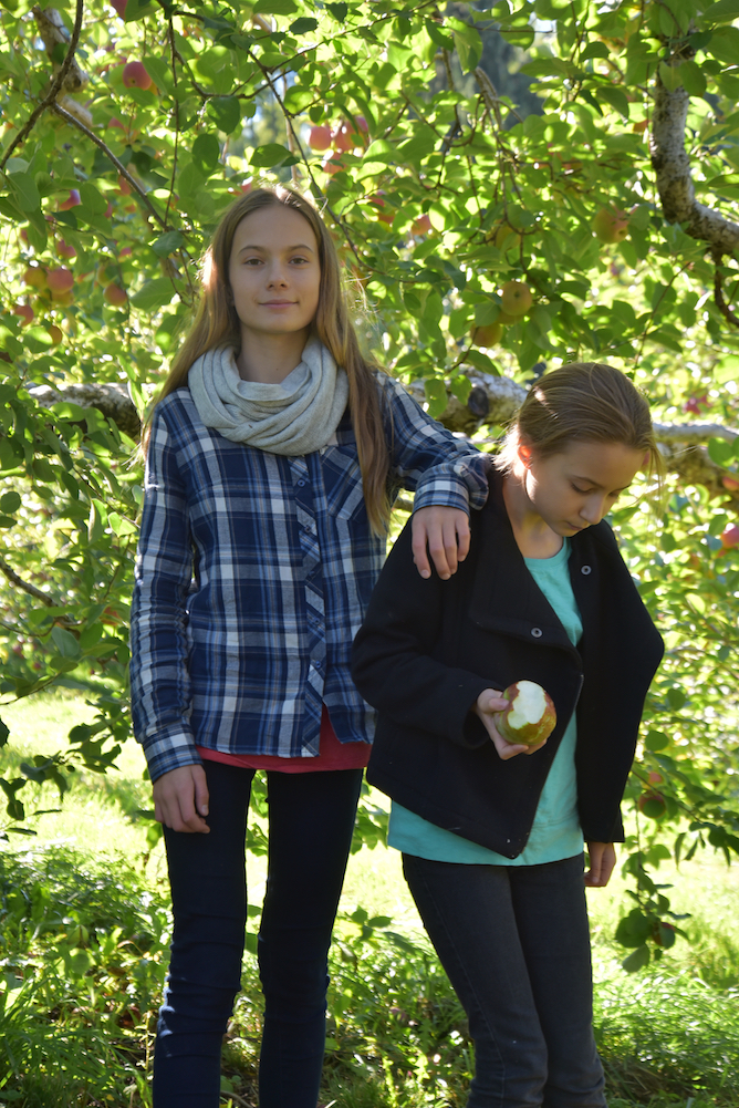 EL_Apple_Picking_2016_032.jpg