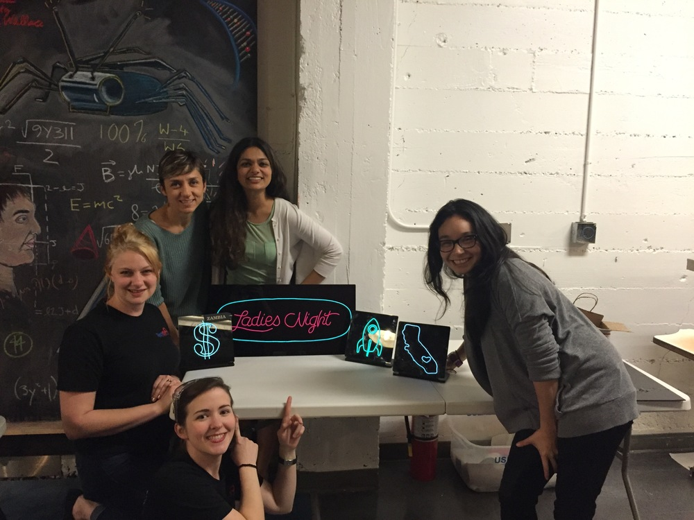 El-Wire.SignProject.LadiesNight