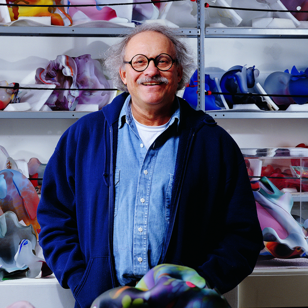 Marvin Lipofsky in his studio in Berkeley, CA, in 2003. Photo credit: M. Lee Fatherree
