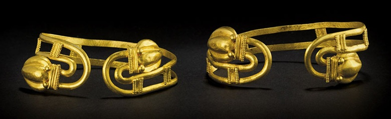 A PAIR OF GREEK GOLD BRACELETS, HELLENISTIC PERIOD, CIRCA 1ST CENTURY B.C.  Larger: 2 ¾ in. (7 cm.) wide. Estimate: USD 7,000 - 9,000