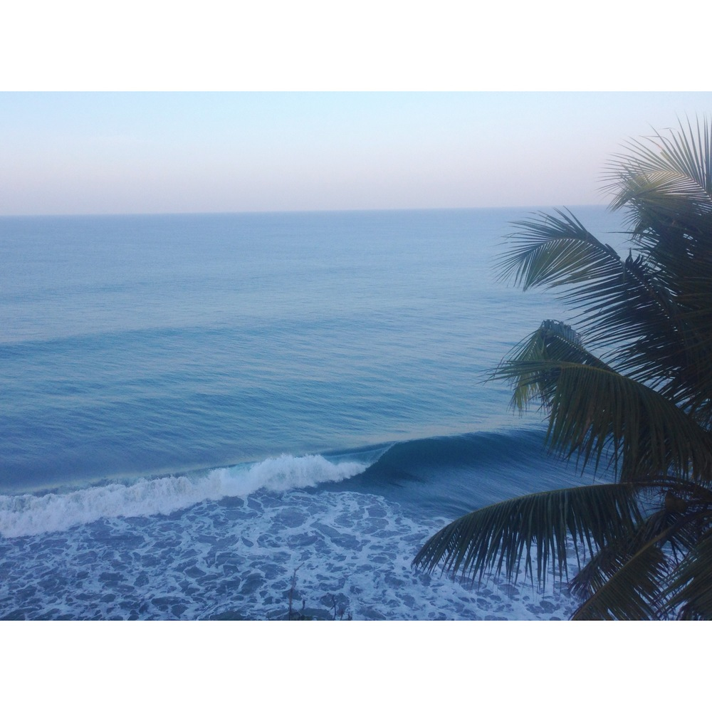 Empty-wave-surf-India.jpg