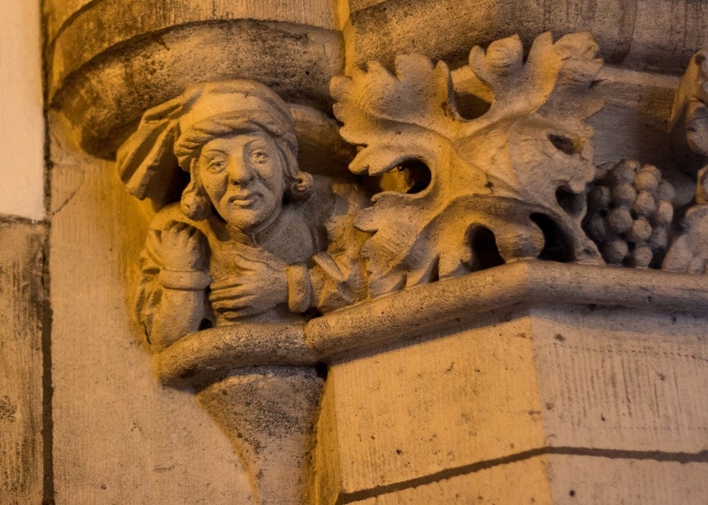Creepy carving at Neues Rathaus