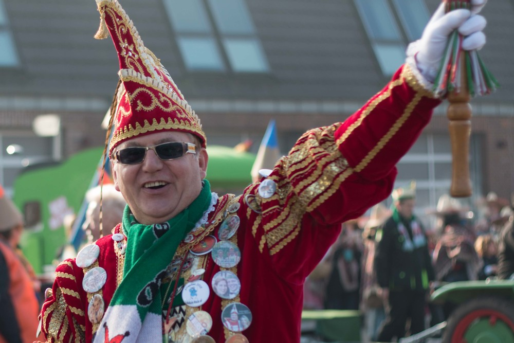 one of the karneval OFFICIALS. They had some pretty sweet hats!