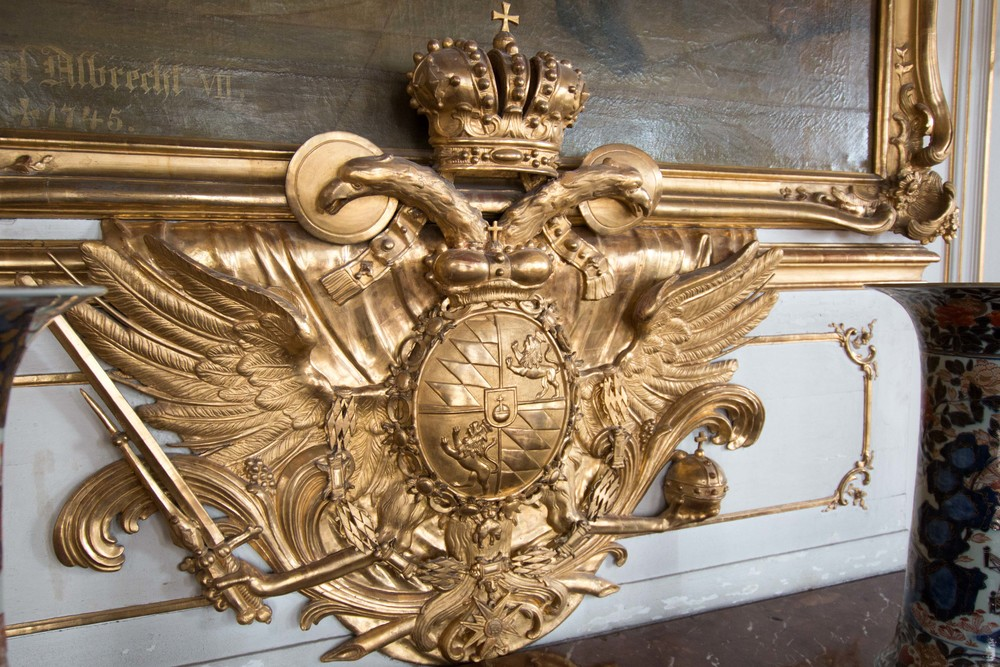 gilded coat of arms