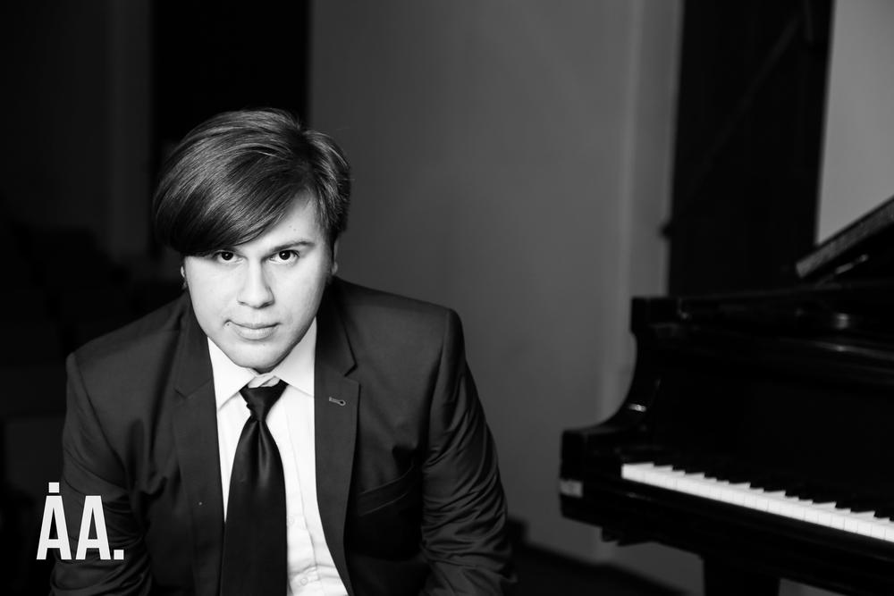 Composer, Alejandro Vera