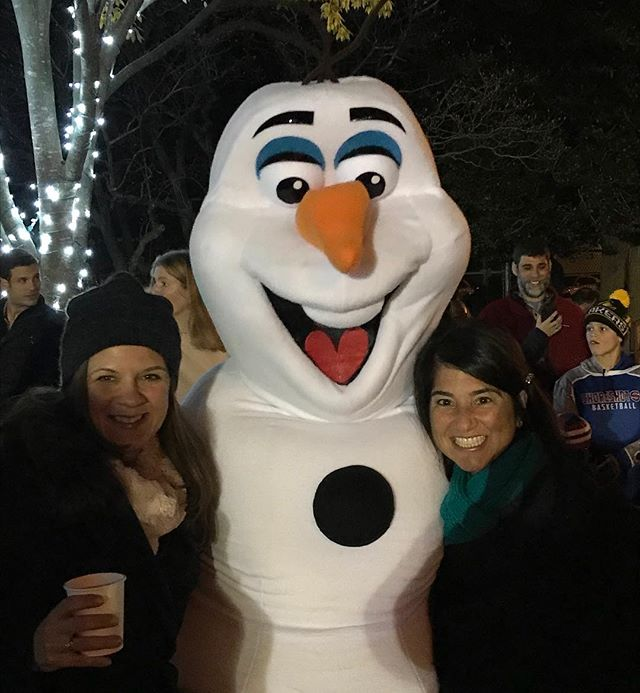⭐️Celebrity sighting! ☃️ 21 days until Christmas! 🎄 #joy #merrychristmas 🎄