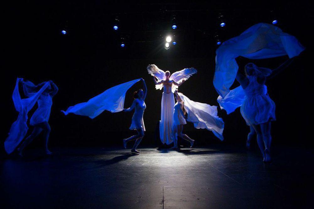 Choreography by Kathy Gordon. Photo byIgor Dmitry