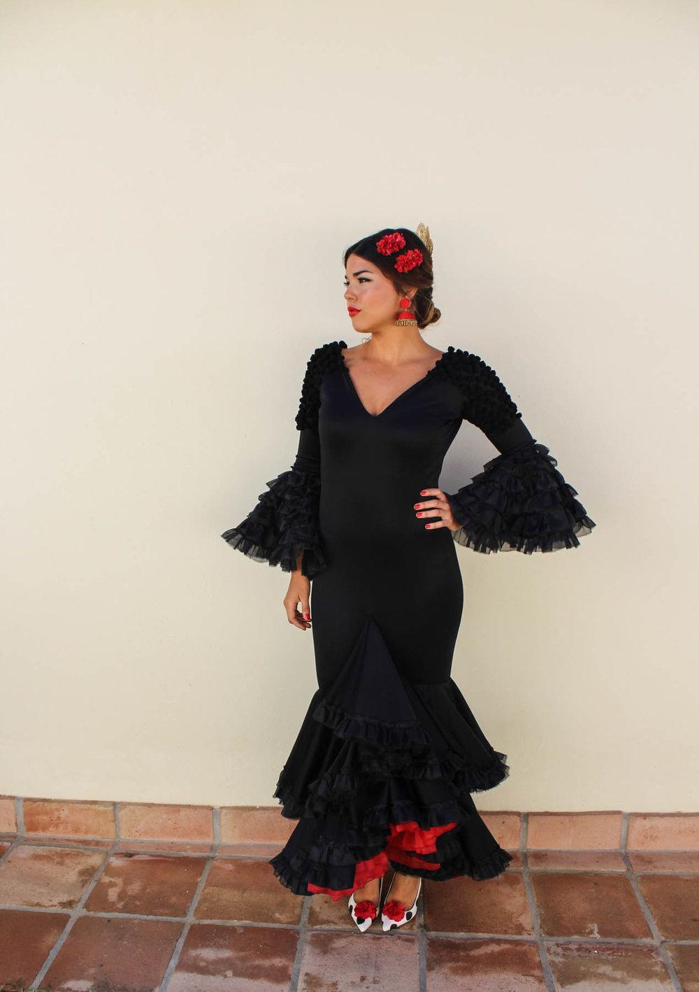 fe02ce903d Este es el vestido que he diseñado este año