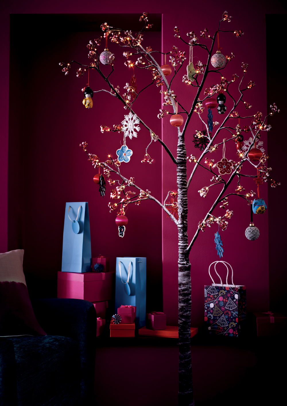 p21 Pre-lit Red Berry Paper Tree, New Japan Tree Decs-1.jpg