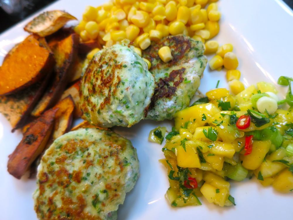 Thai Fishcakes With Mango Salsa