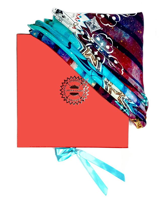 "✨✨✨ ""Paint your palette blue and shine"" ✨✨✨ #shoppingspree #onlineshopping #puresilk #digitalprint #valentines #valentinesday #giftforher #foulardsoie #giftforherideas #onlineshopping #londonfashion #onlinefashion"
