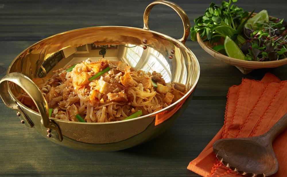 Pad Thai with Tofu (vegan).jpg