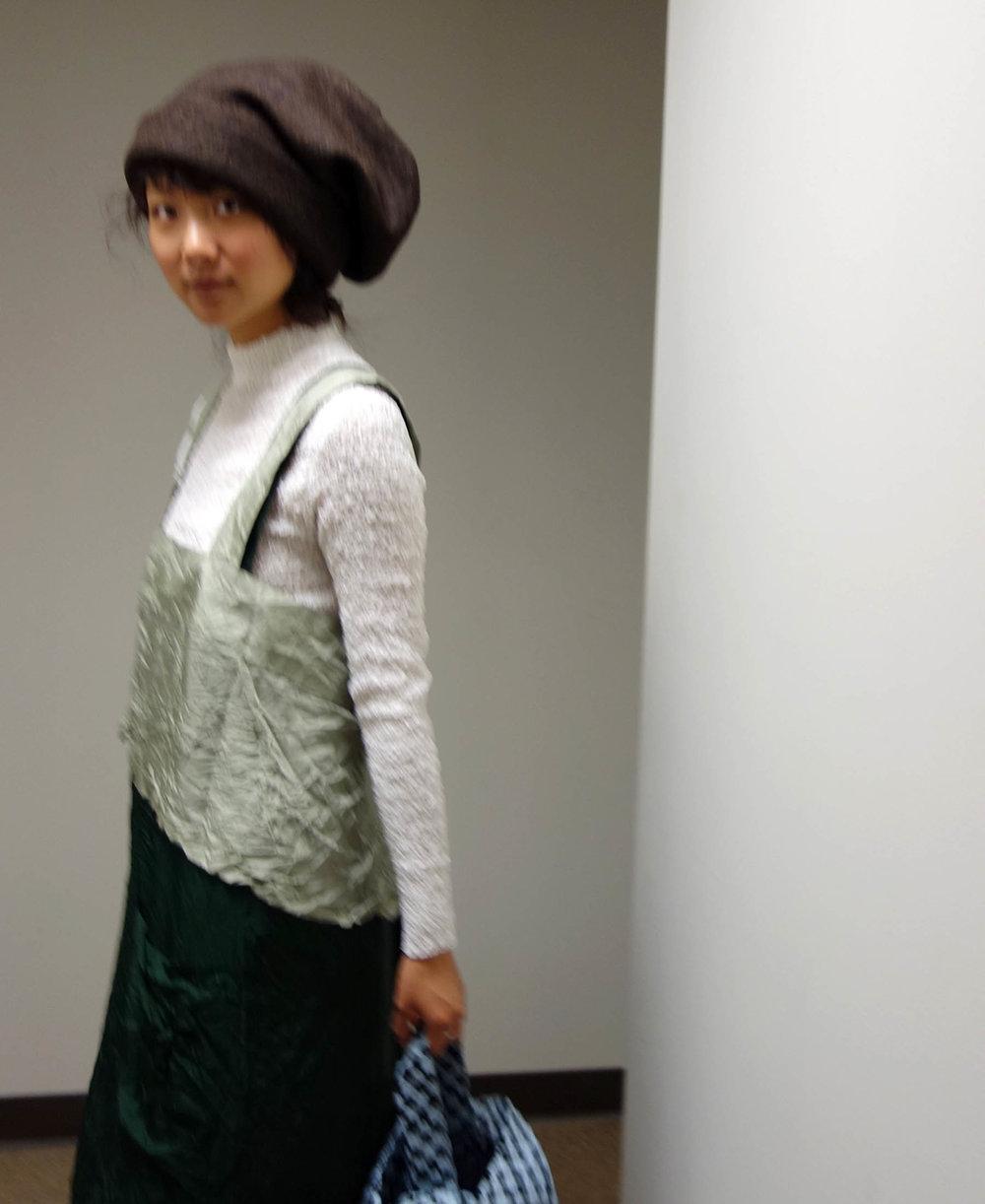 RSapron.hat.blur2.jpg