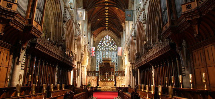 Inside_Selby_Abbey-1.jpg