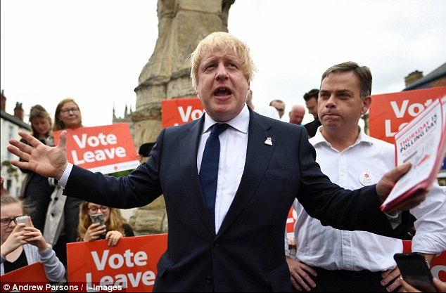 358E8A5B00000578-3654549-2_30pm_The_Vote_Leave_campaign_arrived_in_Selby_North_Yorkshire_-m-98_1466616637523-2.jpg