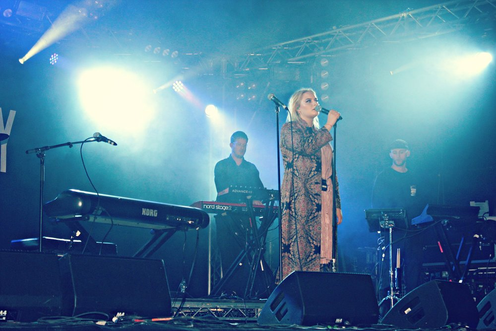 Lapsley held an intimate gig on the Festival Republic Stage on Sunday evening singing her heart warming tracks Painter,Falling Short & Cliff. Lapsley from York was one of the many artists performing from Yorkshire in her home county. ( Image Sean Brown)