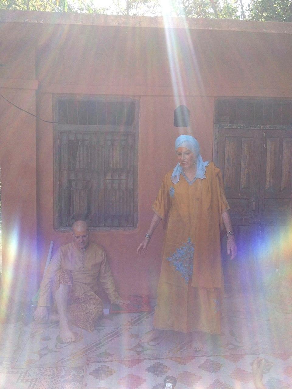 Sondra Ray speaking at the ashram