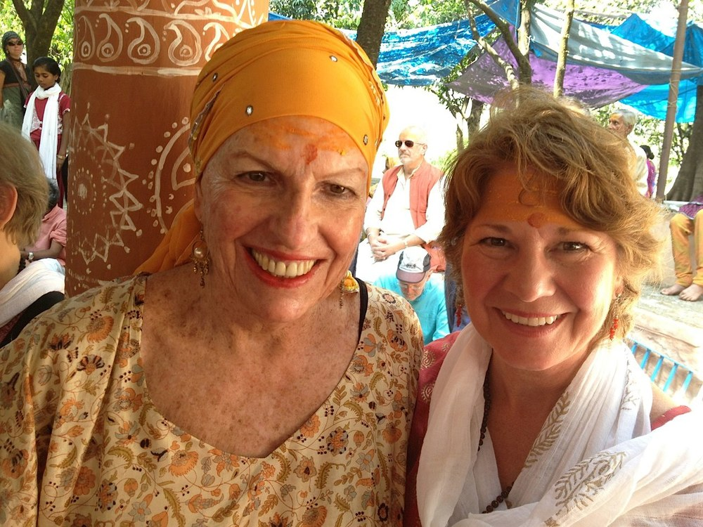 Sondra Ray (left) and Peggy at the ashram.