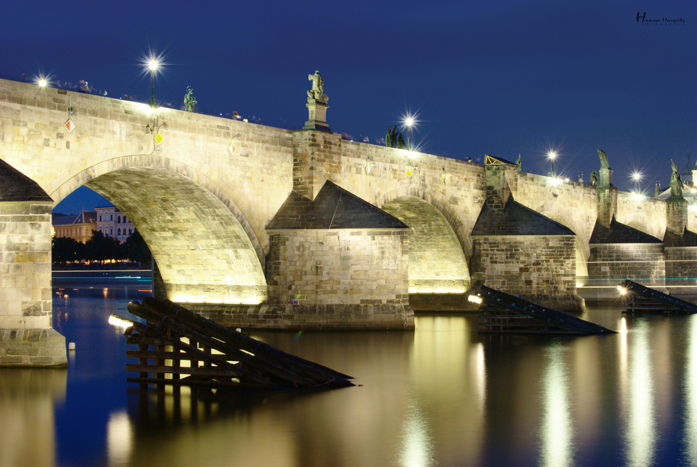 Charles bridge close.jpeg